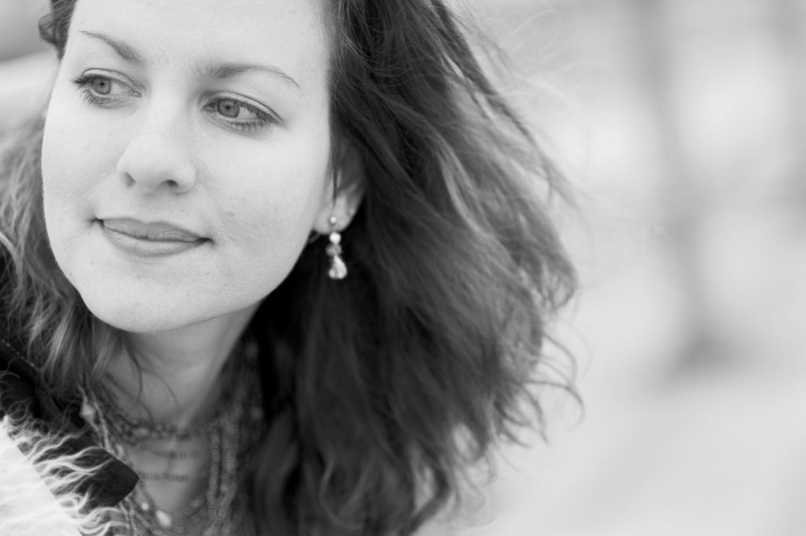 Antje Duvekot - Phoenix Lyrics | Musixmatch