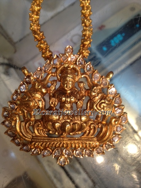 Lakshmi Pendant With Uncuts Jewellery Designs