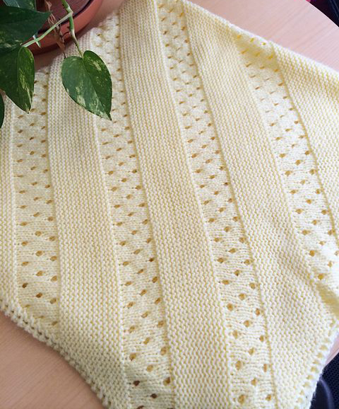 Daily Knitting Patterns: Treasured Heirloom Baby Blanket