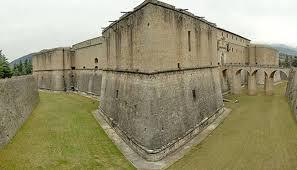 Bastione opera di difesa e di fortezza formata da un argine di terra o muratura