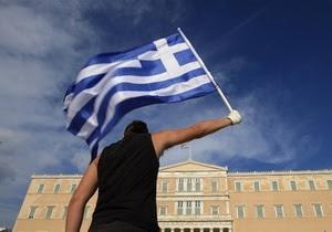 Рубль значительно подешевел при открытии биржевых торгов понедельника из-за угрозы дефолта Греции и выхода страны из еврозоны.
