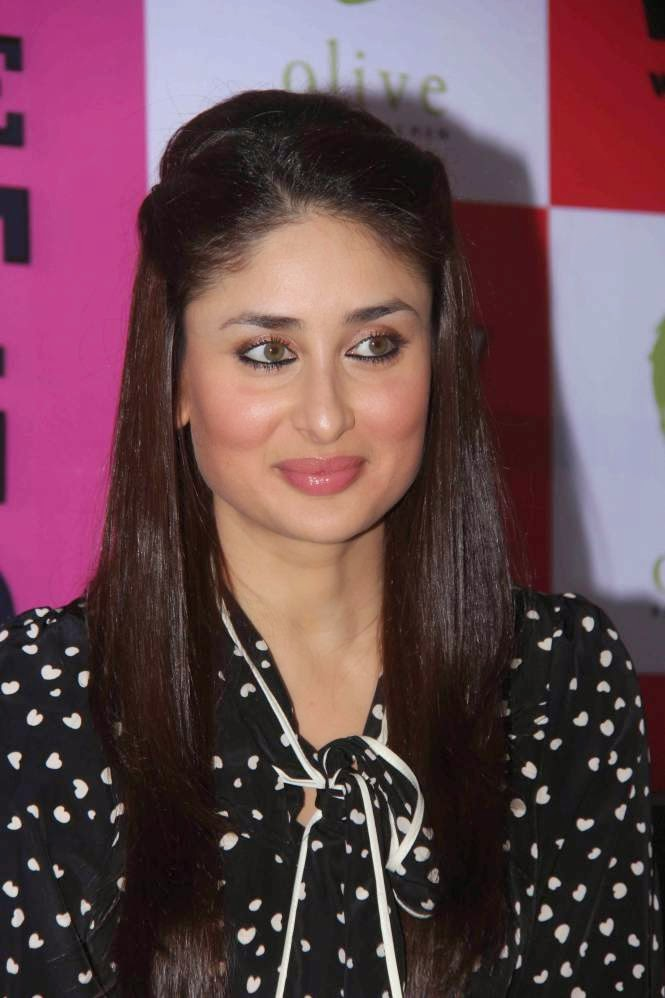 kareena kapoor hot milky thigh hd pics