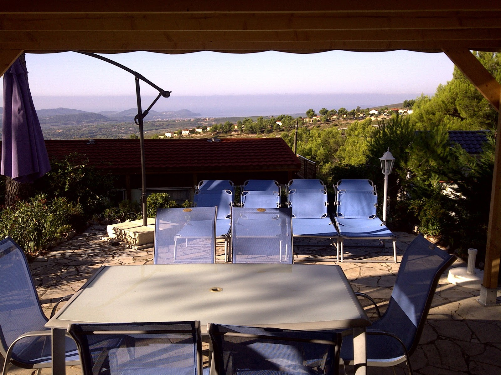 Vacances en region paca le castellet confort exterieur for Jardinet en anglais