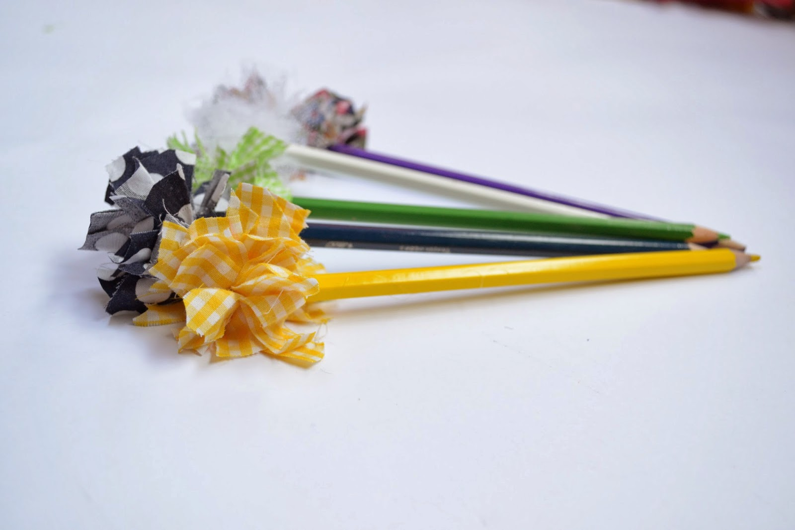 stylo pompon