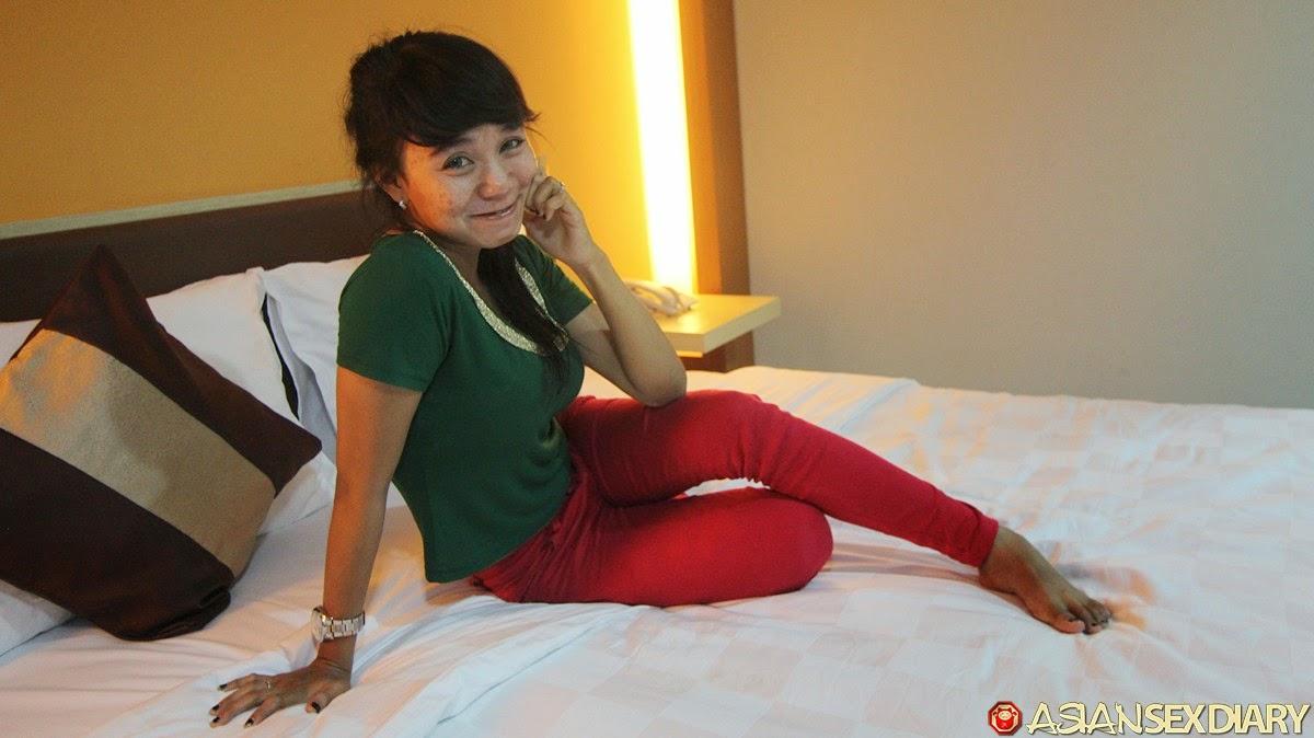 Gambar Bugil Rini ABG Bispak Jakarta Part.1