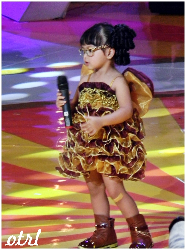 little miss indonesia bajunya super lucu aqila little miss indonesia