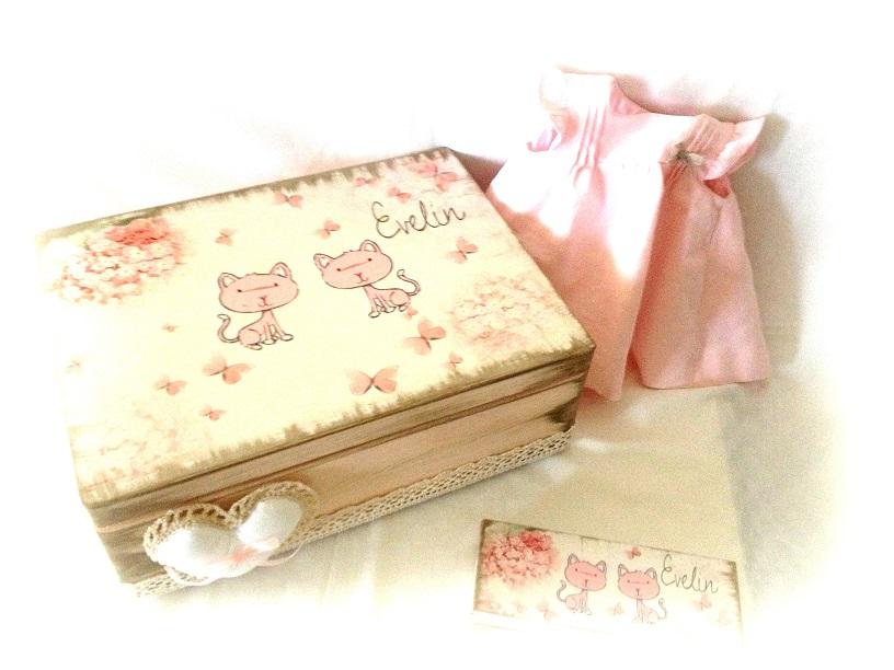 http://le-cose-animate.blogspot.ro/2014/01/cutia-big-pink-cats.html