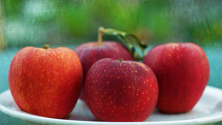 Delicious Apple HD Wallpaper 7