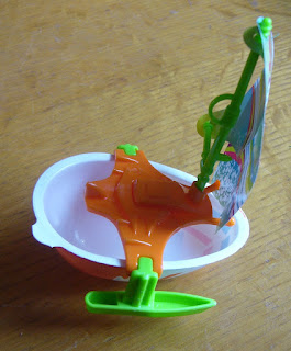 go move kinder surprise number UN247