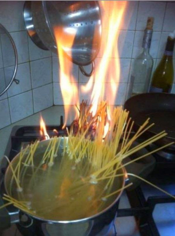 epic food fails, food fail, food fails, desastre en la cocina, chicote, fuego en la cocina, cocinar, fallos épicos en la cocina, fallos en la cocina, desorden en la cocina, chef ramdom, desastre cocinando