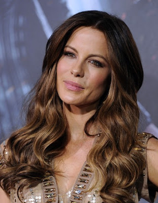 Kate Beckinsale Long Wavy Cut Hairstyle