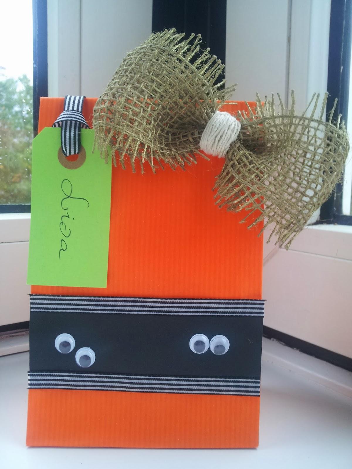 #B33918 Meget bedømt A Spoonful Of Crafts: Gør Det Selv For Børn: Goodie Bags Til Halloween / Kids  Gør Det Selv Daybed 5089 120016005089