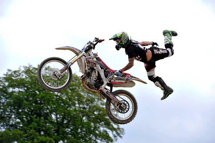Displaying (19) Gallery Images For Dirt Bike Tricks Superman...