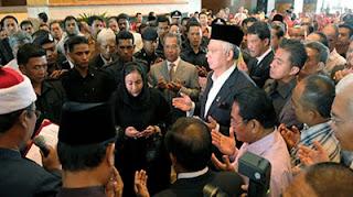 Menteri Di Jabatan Perdana Menteri, Datuk Seri Jamil Khir Baharom hari ini menjelaskan bahawa kenyataan daripada Twitter Datuk Seri Najib Tun Razak pada Ahad lepas yang beliau selesai menunaikan ibadah haji sedangkan masih ada rukun haji yang belum dilaksanakan ketika itu, telah disalah tafsir.