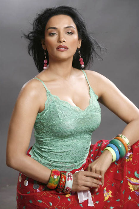 Shweta Menon Photoshoot Stills Photoshoot images