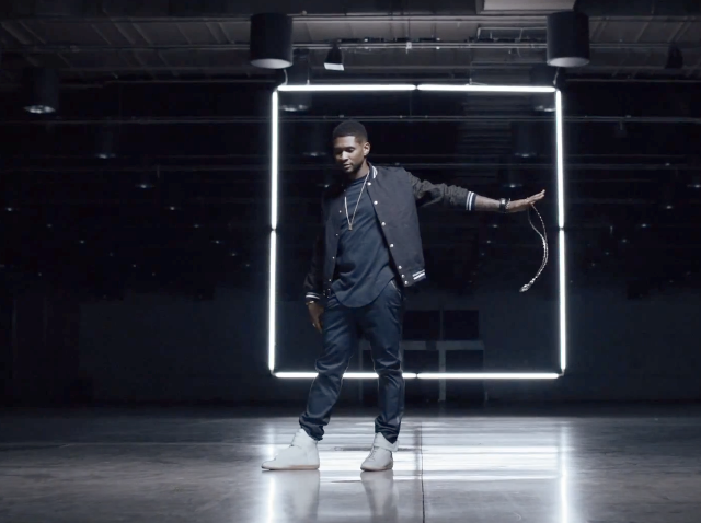 Look de Usher para o clipe de Good Kisser
