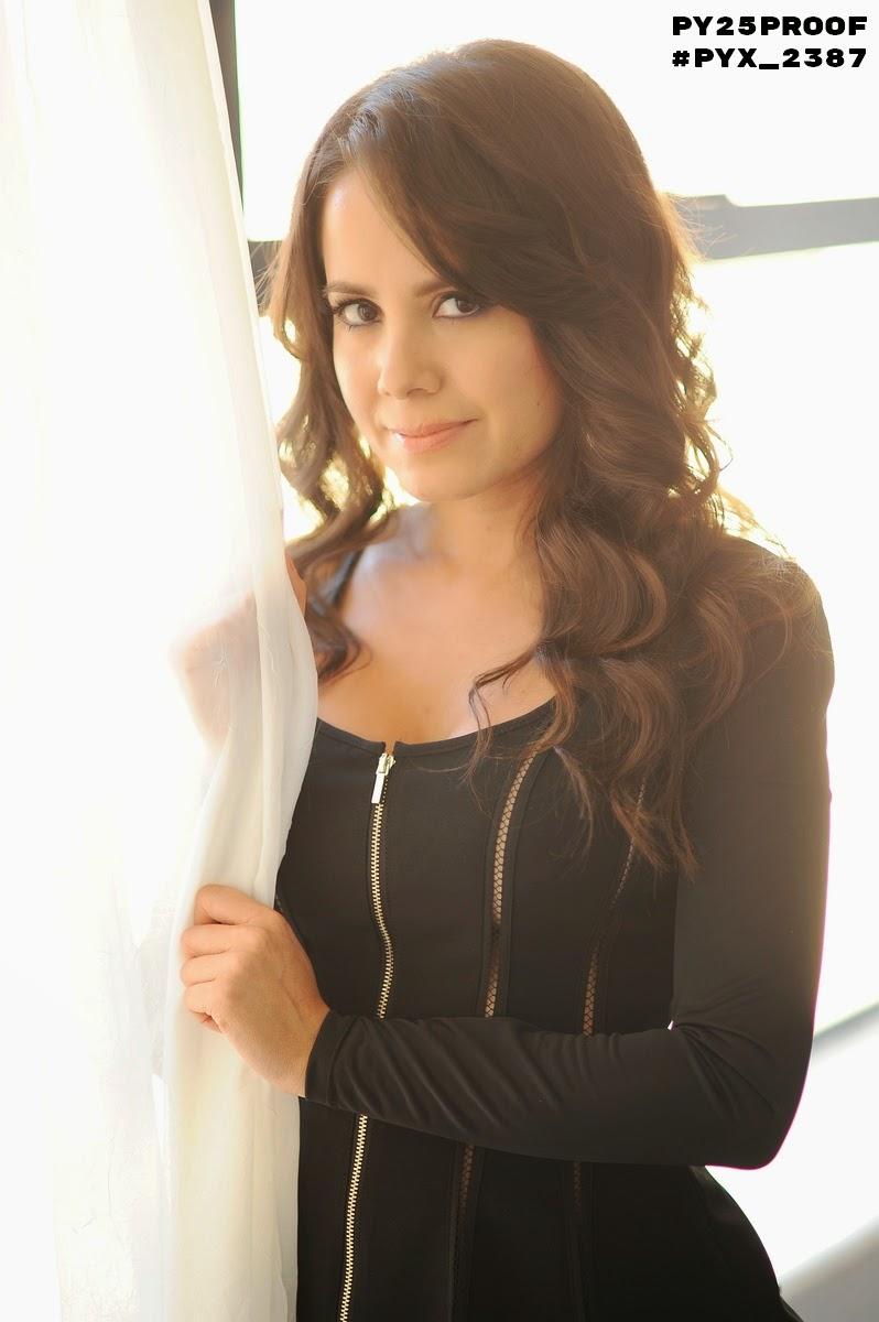 Sara Castro face