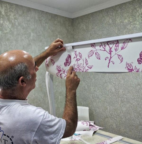 Papel pintado empapelar un mueble con papel pintado for Papeles vinilicos para empapelar