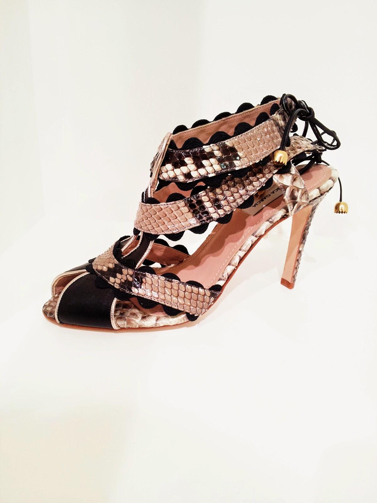 BE FASHIONABLY: M\u00f3nica Garc\u00eda Shoes...