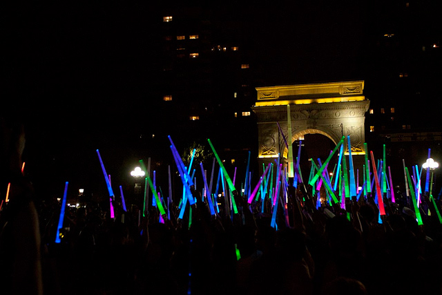 Largest Lightsaber Fight in the New York Park 03