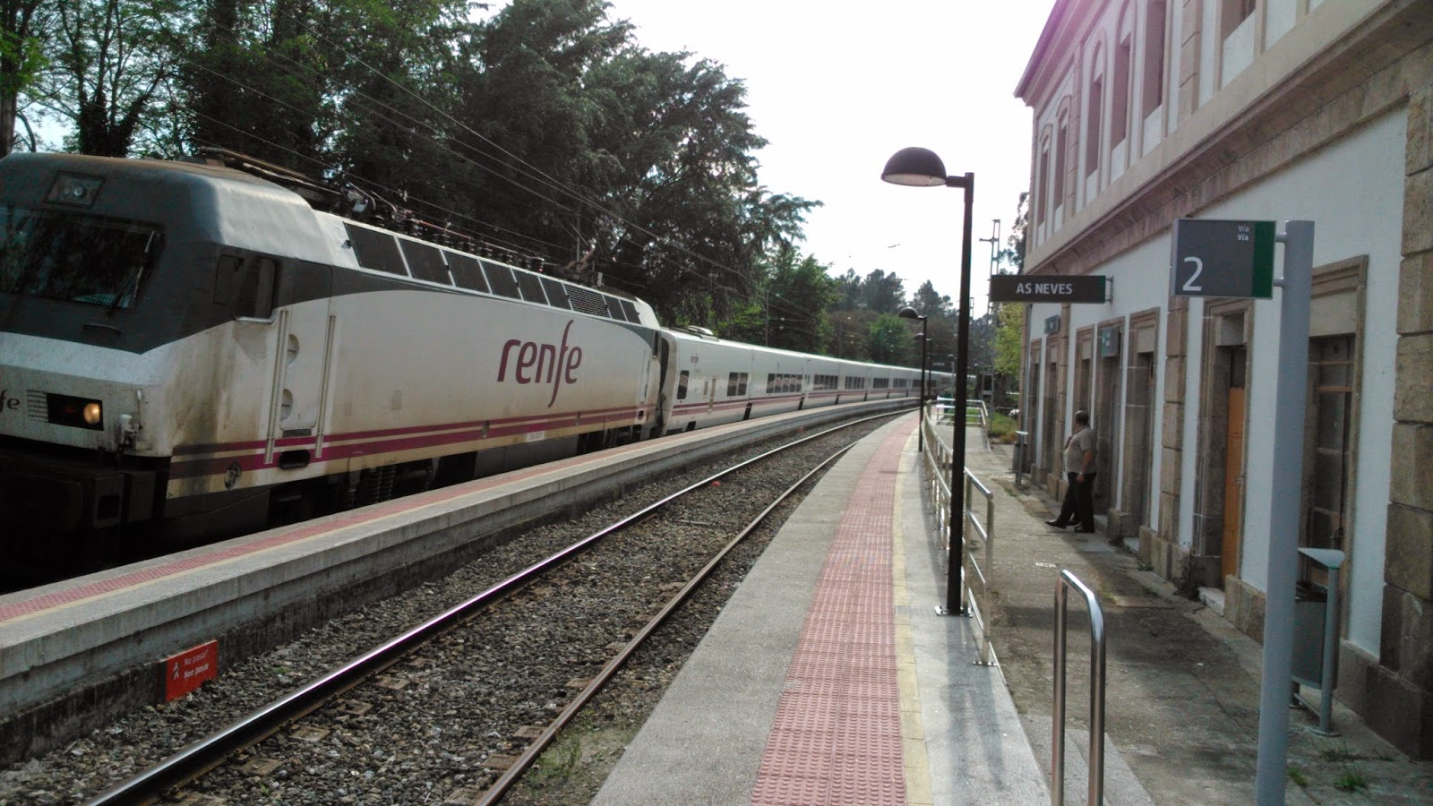 Redondelan express renfe acaba de firmar la sentencia de for Barcelona paris tren hotel