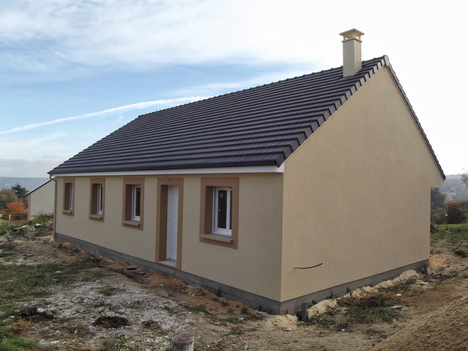 La maison de petit coeur l 39 ext rieur est termin et l for Moulure exterieur maison