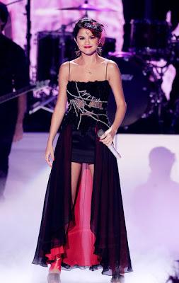 Selena Gomez Black & Read Dresses & Skirts Style