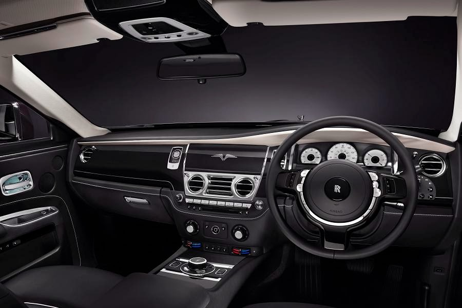 Rolls-Royce Ghost V-Specification (2014) Dashboard