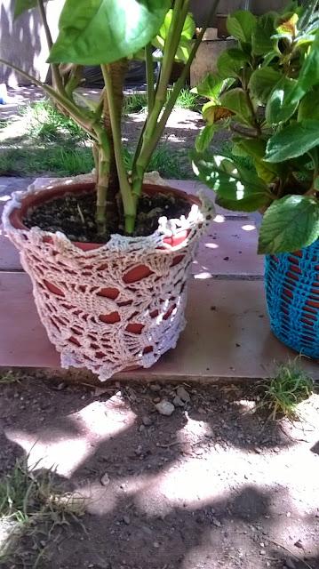 Macetas vestidas con cubierta a crochet