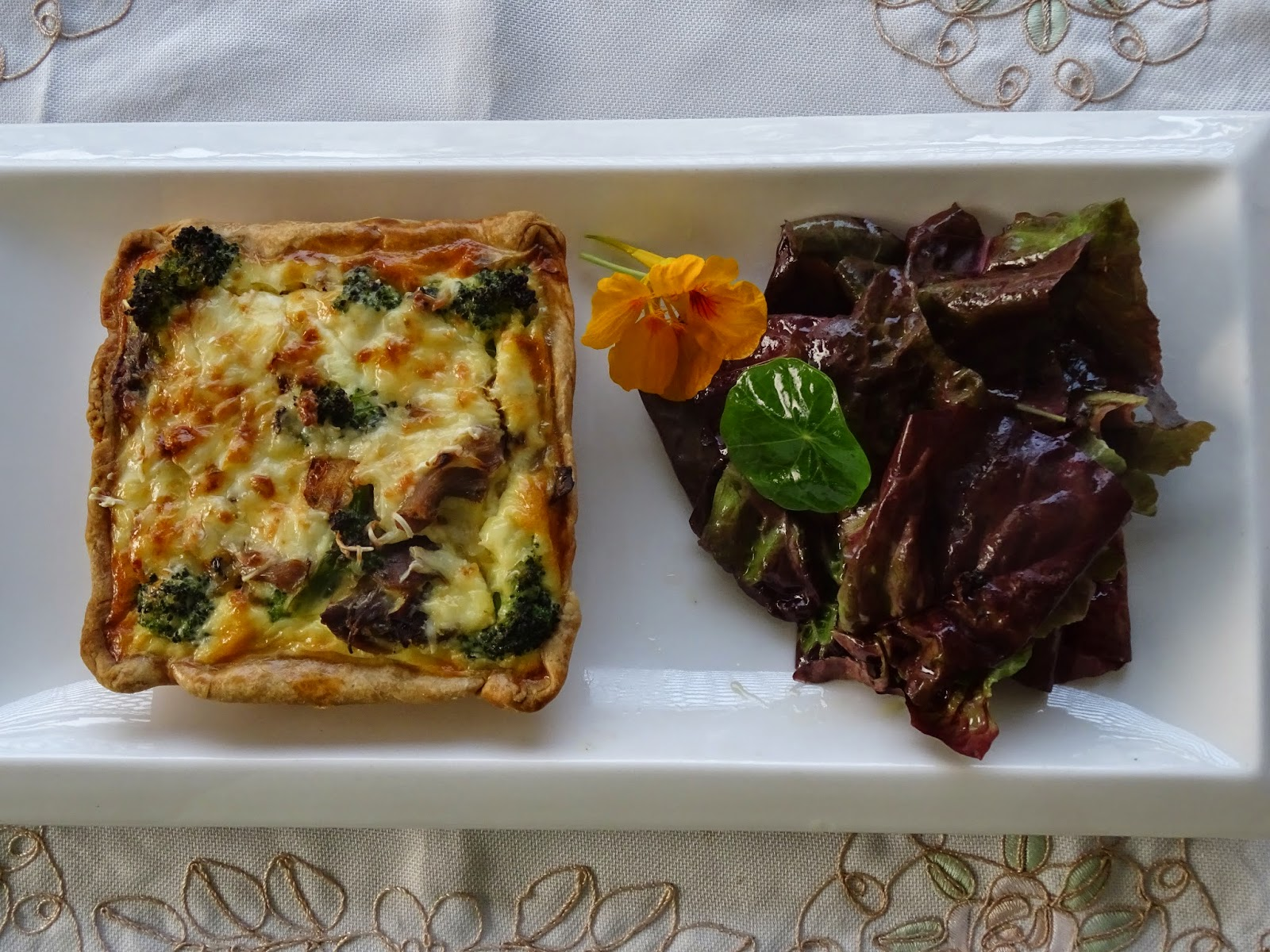 Broccoli & chicken quiche