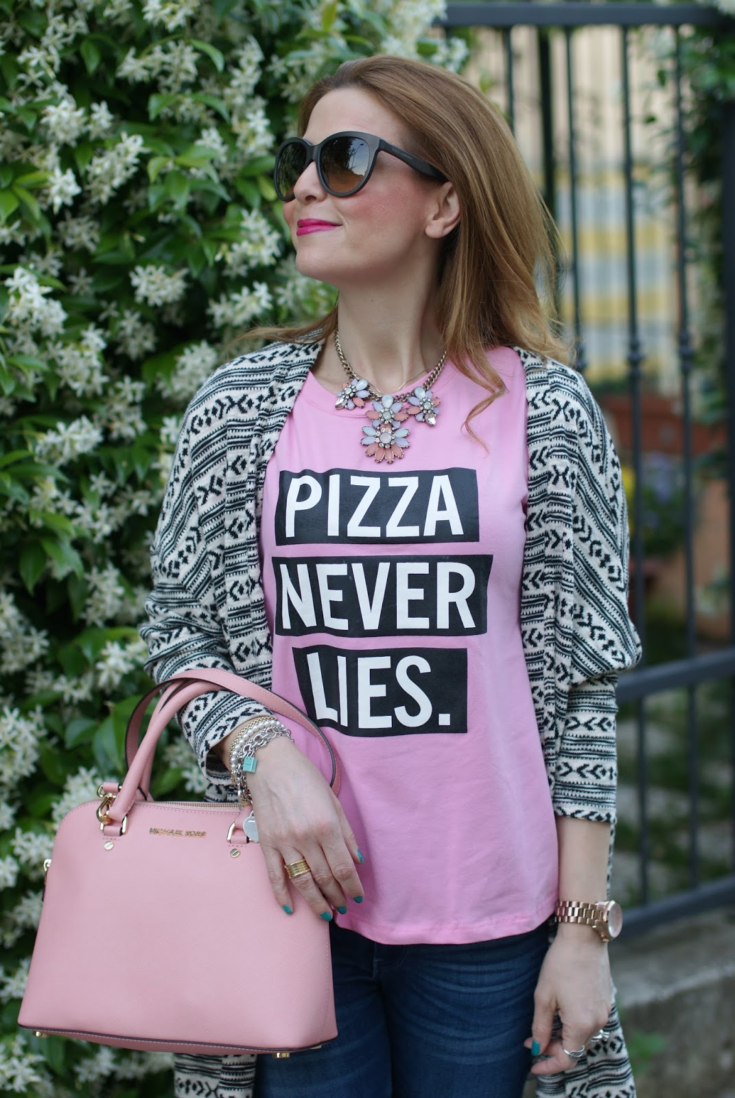 Pizza never lies, Zaful pink t-shirt, Zaful pizza never lies, casual pink look on Fashion and Cookies fashion blog, fashion blogger style