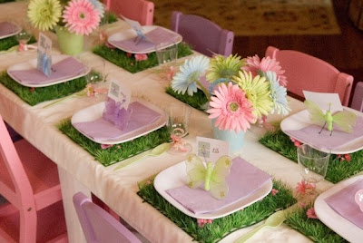 Flowers and Butterflies: Table Decoration with Instructions.