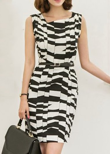 Vestido Corto Manga Corta con Pliegues Verticales y Lineas Horizontales Irregulares