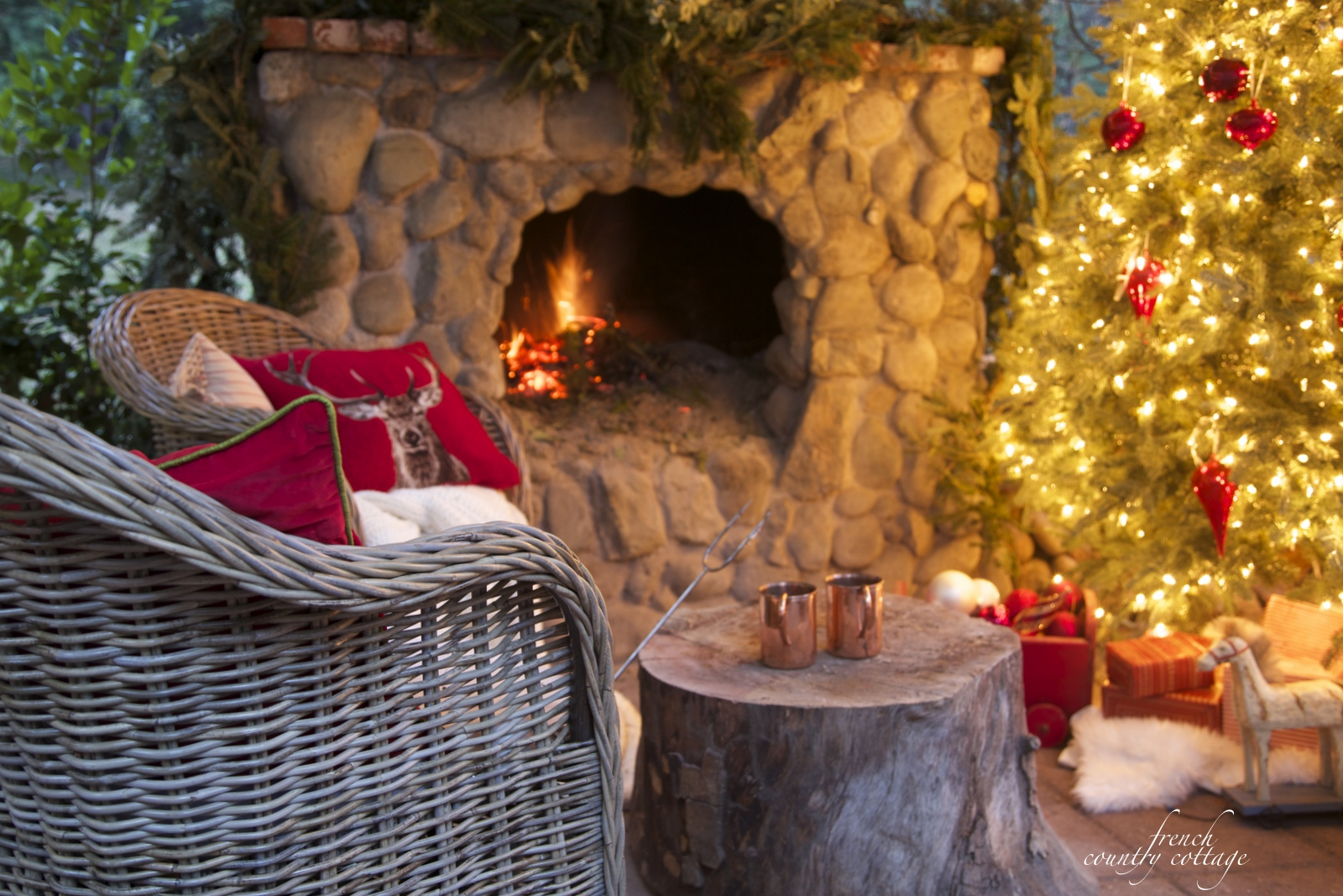 French Country Christmas Decorating Ideas: Cottage Christmas Patio & Early Mornings