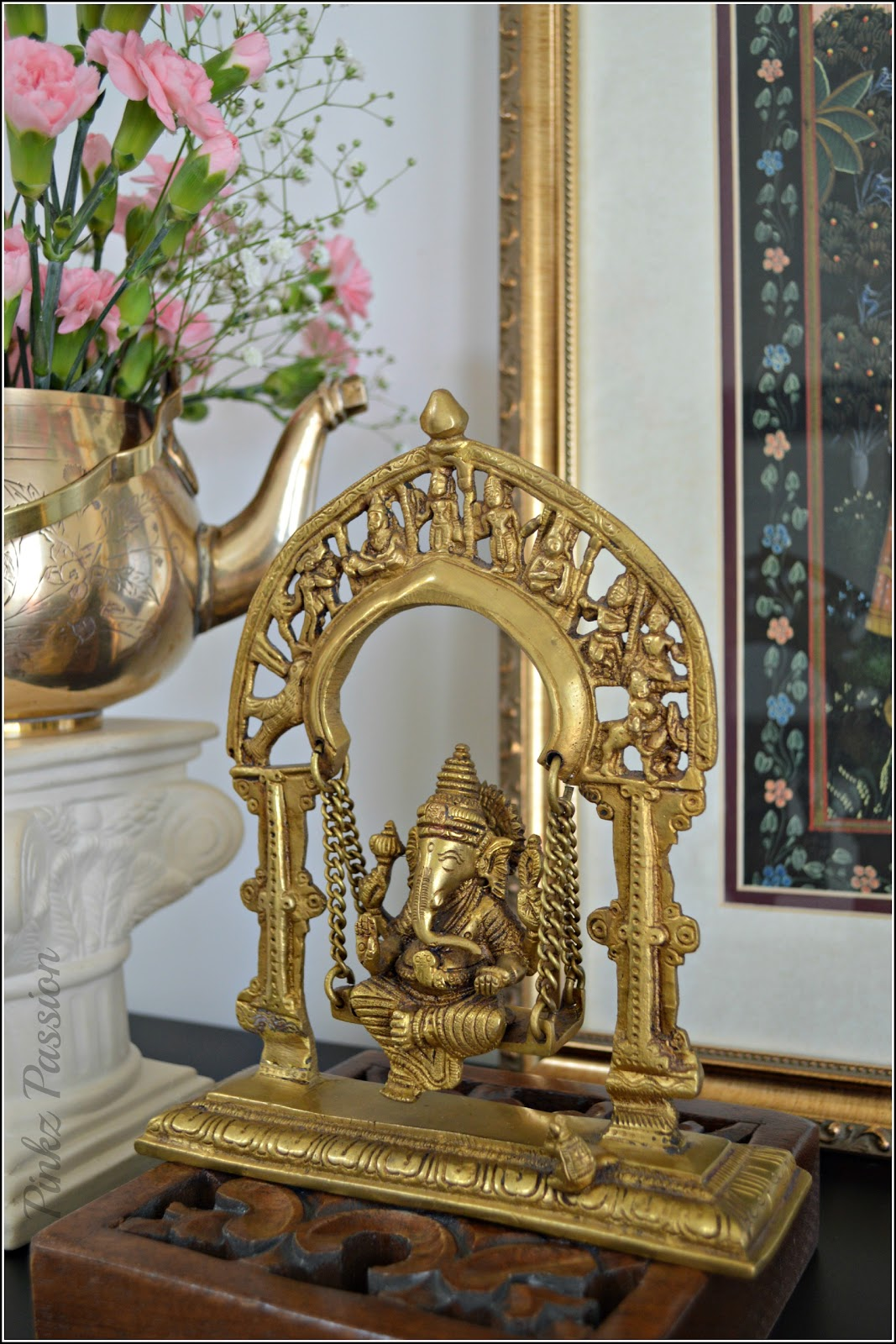 Pinkz passion a springy welcome for Kerala foyer designs
