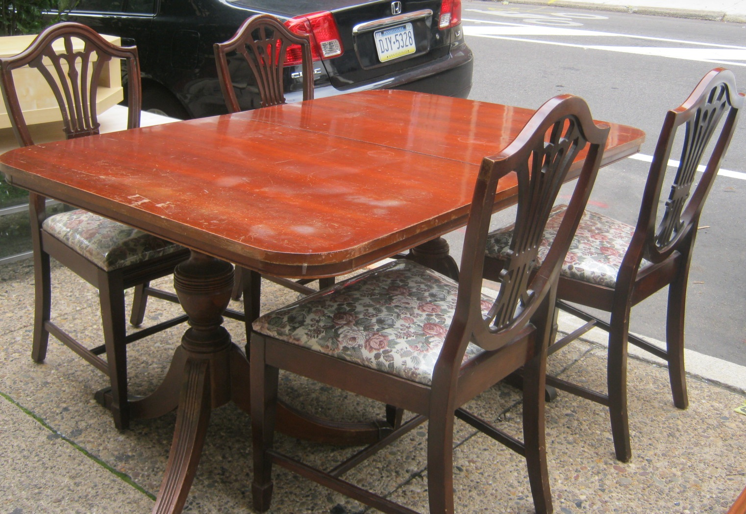 uhuru furniture collectibles sold duncan phyfe dining room. Black Bedroom Furniture Sets. Home Design Ideas