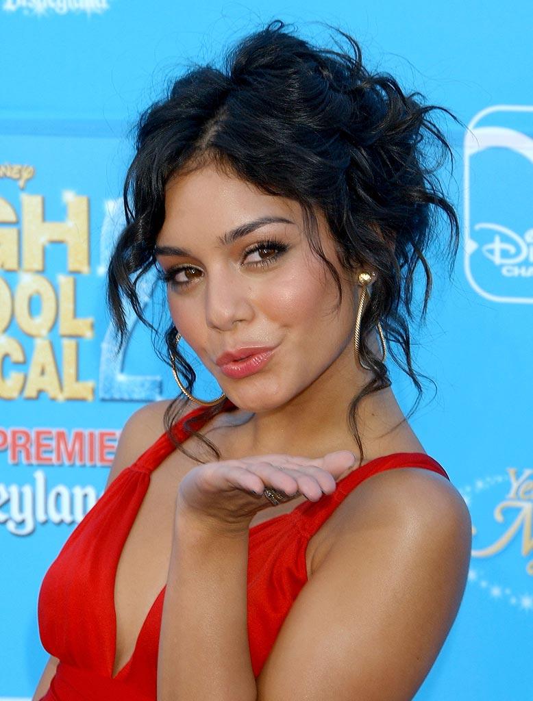 Hairstyles Popular 2012 Celebrity Vanessa Hudgens Messy Curly
