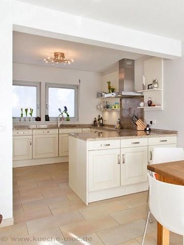Wir renovieren Ihre Küche fene Regale Kueche