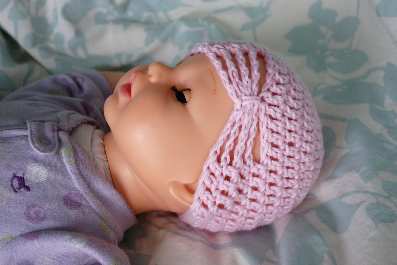 Free Crochet Butterfly Patterns For Hats : Alli Crafts: Free Pattern: Butterfly Hat - 6 months