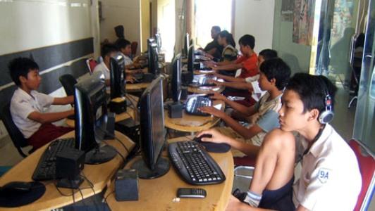 Bahaya Kecanduan Game Online