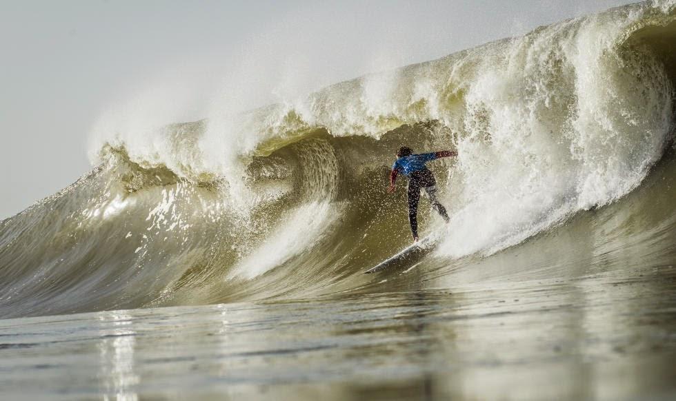 11 2014 Moche Rip Curl Pro Portugal Brett Simpson USA Foto ASP Damien Poullenot Aquashot