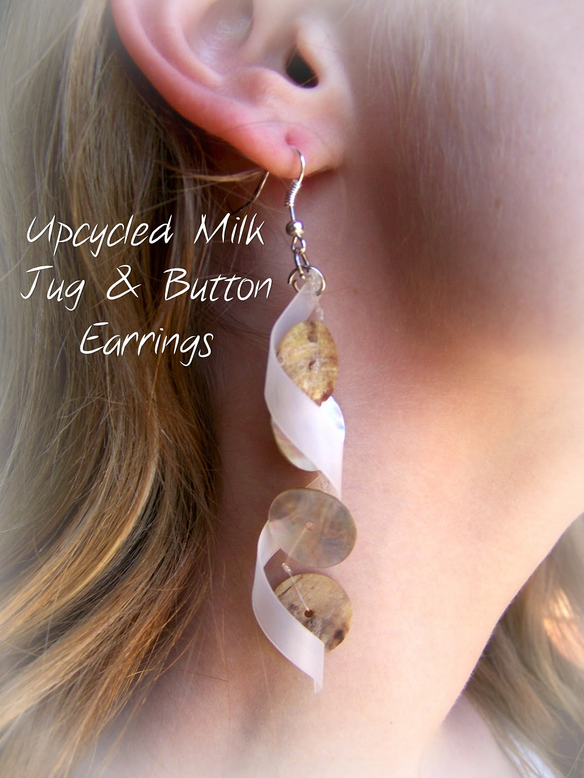 Poppy juice jewelry made from recycled plastic bottles earrings fashioned out of milk jugs and old buttons solutioingenieria Image collections