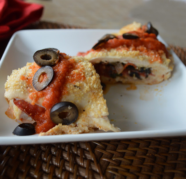 Paleo Girl's Kitchen: Pizza-Stuffed Chicken