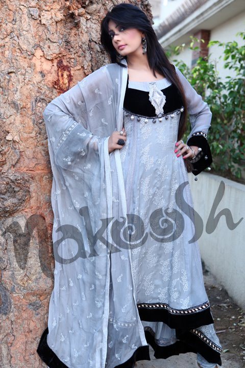 Nakoosh Latest Summer Collection 2012   Stylsih Lawn Dresses Collection by Nakoosh