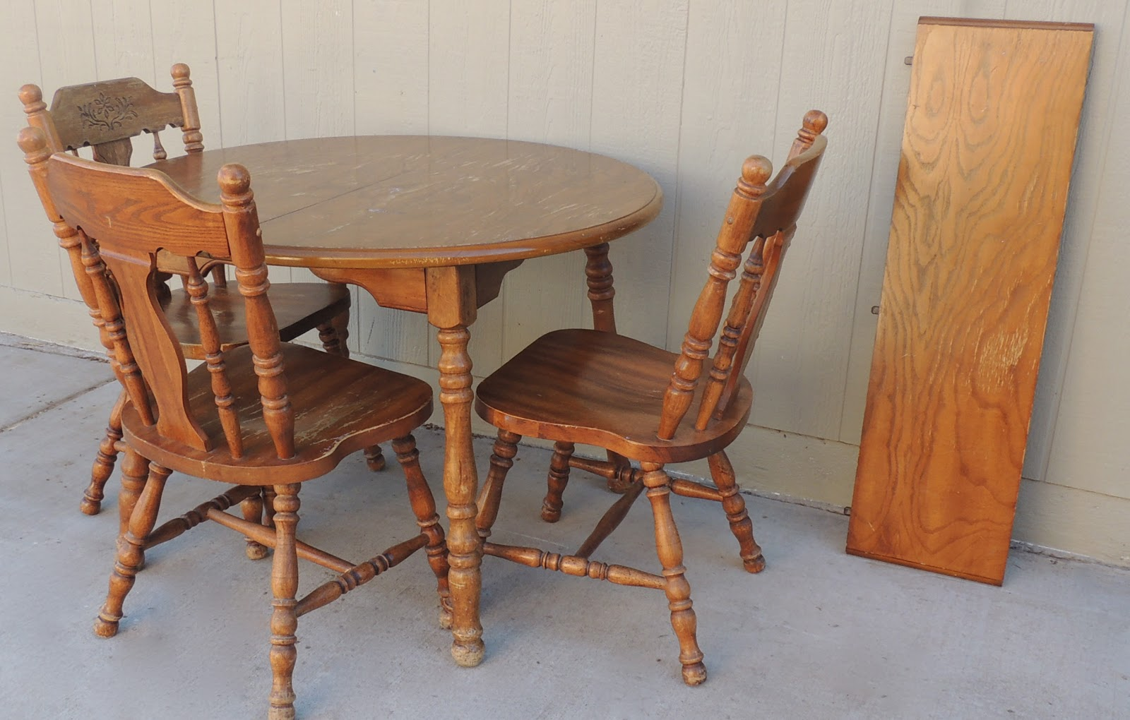 The Backyard Boutique By Five To Nine Furnishings Solid Wood Kitchen Table Three Chairs