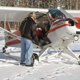 Santa to Fly in to Owls Head Museum This Sunday