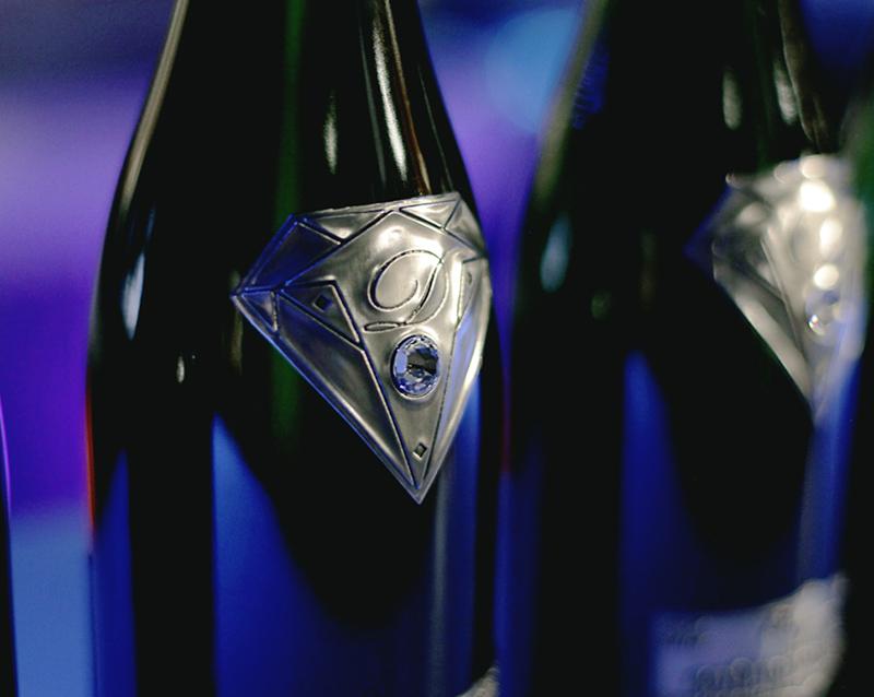 Go  t de Diamants One Off Champagne Bottle With 19 Carat Diamond