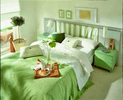Decoração de quarto de casal em verde