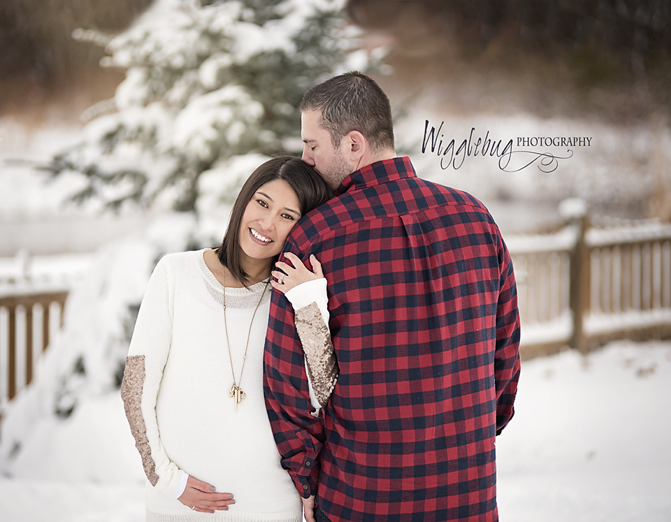 Outdoor Winter Maternity photos in DeKalb, Sycamore, Geneva, Rockford, IL