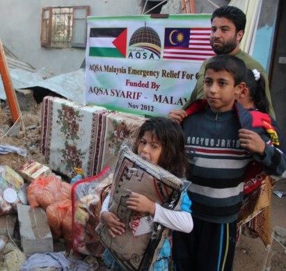 derma gaza, aqsa syarif, starving kids, poor, misi kemanusiaan, nasib penduduk gaza, bantuan makanan, donate, tabung gaza, aman palestin, help muslims, help palestine, save gaza, sms, message, phone, food supplier, help, crying, humanitarian, PBB, gaza issues, israel attack, muslim, arabian